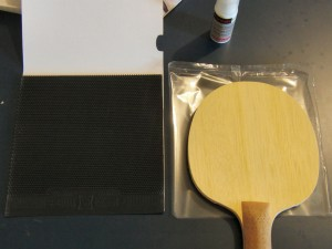 gluing-pimple-tabletennis-rubbers1